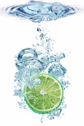 lemon_into_the_water_instant_highdefinition_picture_165638